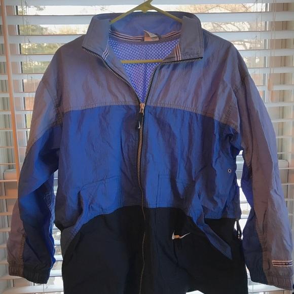 60e8d6a62e Vintage Nike jacket. M 5a40492cb7f72b793201aaf3